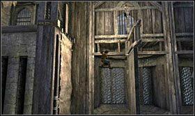 Pchnij kołowrót o jedną pozycję w stronę przeciwną do ruchu wskazówek zegara - Stajnie - Opis przejścia - Prince of Persia: Zapomniane Piaski - poradnik do gry