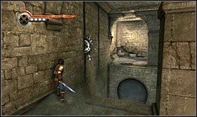 Teraz obróć platformę w kierunku korytarza z wystającą belką, przeskocz tam i przebiegnij pod kolejnymi piłami - The Works (1) - Opis przejścia - Prince of Persia: Zapomniane Piaski - poradnik do gry