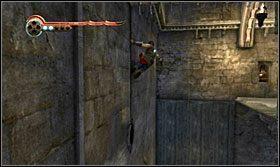 Na zakręcie poczekaj aż kolce podjadą w górę, przebiegnij po ścianie i odbij się w kierunku wolnego korytarza - The Works (2) - Opis przejścia - Prince of Persia: Zapomniane Piaski - poradnik do gry