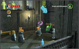 Rozpoczynasz w przejściu do klas (M4 - Zamek Hogwart #6 | Opis przejścia - Rok 3 - LEGO Harry Potter Lata 1-4 - poradnik do gry