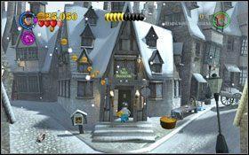 Trzecią miotłę zdobędziesz niszcząc jedną z choinek #1 - Hogsmeade | Opis przejścia - Rok 3 - LEGO Harry Potter Lata 1-4 - poradnik do gry