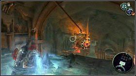 Żeby zdobyć kolejny miecz, wskakujemy na balkon nad niebieską kulą [1] - Katedra Zmierzchu (3) - Opis przejścia - Darksiders - PC - poradnik do gry