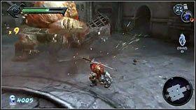 Gdy rzucimy ostrzem, przeciwnik zostanie ogłuszony, a my w tym czasie możemy atakować monstrum zwisające mu z klatki [1] - Nadzorca - Opis przejścia - Darksiders - PC - poradnik do gry