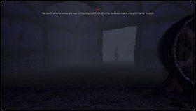 W rafinerii biegniemy przed siebie ciemnymi korytarzami [1] - dotrzemy do większego pomieszczenia i w przejściu zobaczymy przechodzącego potwora - Entrance Hall - Refinery - Opis przejścia - Amnesia: Mroczny Obłęd - poradnik do gry