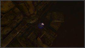 Kiedy b�dziemy gotowi aktywujemy prze��cznik i przeskakujemy po skrzyniach do drzwi na ko�cu korytarza - Cellar Archives - Opis przej�cia - Amnesia: Mroczny Ob��d - poradnik do gry
