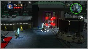 W hangarze rozpraw się z rywalami, a potem skieruj się w górny, prawy narożnik lokacji, gdzie z rozsypanych na ziemi klocków stwórz części generatora [1] - Generał Grievous (7) - Tryb fabularny - LEGO Star Wars III: The Clone Wars - poradnik do gry
