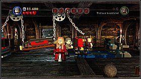 Powtarzamy czynność z drugą częścią machiny z huśtawką - klocki do zbudowania gładkiej posadzki znajdziemy w skrzyni przed jedną z armat - Czarna Perła atakuje - opis przejścia - Klątwa Czarnej Perły - LEGO Piraci z Karaibów - poradnik do gry