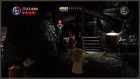 Umieszczamy drewno w windzie w tle - Nora przemytnik�w - opis przej�cia - Kl�twa Czarnej Per�y - LEGO Piraci z Karaib�w - poradnik do gry