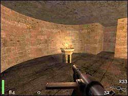 Przesunięcie wspomnianej dźwigni otwiera drzwi do komnaty ze sklepieniami łukowo-żebrowymi - Mission 2: Part 3 - Return to Castle Wolfenstein - poradnik do gry