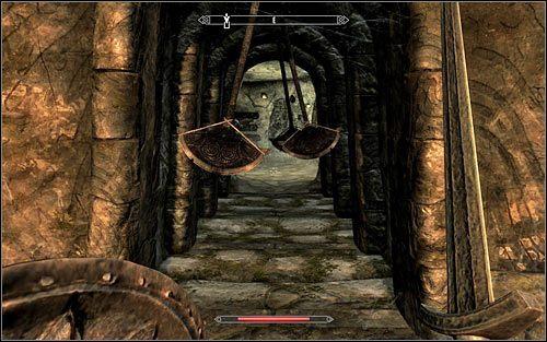 Udaj si� na wsch�d, b�d�c gotowym do pozbycia si� kilku zwyk�ych draugr�w - Wyprawa do Czarnyg�azu (2) - Czarnyg�az - The Elder Scrolls V: Skyrim - g��wny w�tek fabularny - poradnik do gry