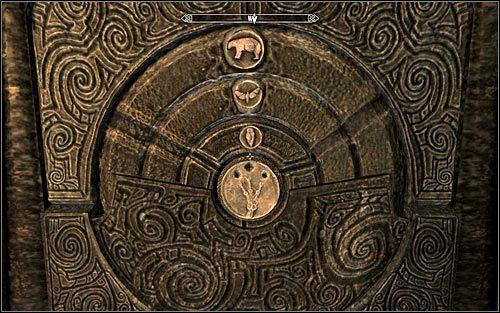 Za�o�eniem tej zagadki jest wej�cie w interakcj� z trzema interaktywnymi pier�cieniami, za� kluczem do jej rozwi�zania jest zrozumienie podpowiedzi pozostawionej w dzienniku Arvela, kt�ry mo�esz oczywi�cie przeczyta� z poziomu inwentarza - Wyprawa do Czarnyg�azu (2) - Czarnyg�az - The Elder Scrolls V: Skyrim - g��wny w�tek fabularny - poradnik do gry