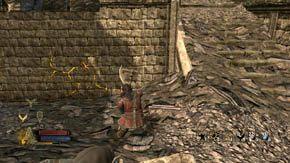 Wracaj do Fornostu, ponownie zniszcz wieżę z orkami i przeszukaj to miejsce, a potem wbiegnij po zniszczonej wieży do dziury w ścianie - Dzielnice wewnętrzne (2) - Rozdział 1 - Władca Pierścieni: Wojna na Północy - poradnik do gry