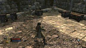 Na mo�cie, umiejscowionym dok�adnie nad bram� jest d�wignia, kt�ra j� otwiera - Dzielnice wewn�trzne (2) - Rozdzia� 1 - W�adca Pier�cieni: Wojna na P�nocy - poradnik do gry