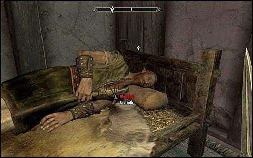 Wejdź do gospody i odszukaj myśliwego w jednym z jej bocznych pomieszczeń - Zlecenie- Zabij Anoriatha | Zadania Mrocznego Bractwa - The Elder Scrolls V: Skyrim - poradnik, mapy, questy