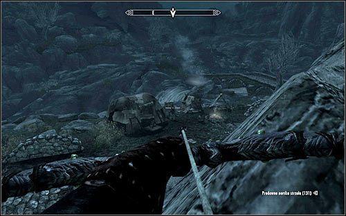 W zależności od upodobań możesz się zachować na dwa zasadnicze sposoby, a mianowicie zaatakować wszystkie Khajiity i rozprawić się z nimi w bezpośredniej walce lub skupić się jedynie na wyeliminowaniu Marandru-jo - Zlecenie- Zabij Marandru-jo   Zadania Mrocznego Bractwa - The Elder Scrolls V: Skyrim - poradnik, mapy, questy
