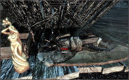 Zdecydowanie polecam zaczekać na nastanie nocy, bo Deekus powinien się wtedy udać na spoczynek - Zlecenie- Zabij Deekusa   Zadania Mrocznego Bractwa - The Elder Scrolls V: Skyrim - poradnik, mapy, questy