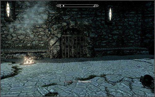 Druga z możliwości jest taka, że kontrolę nad fortem przejęły siły Legionu Cesarskiego lub Gromowładnych, przy czym do takiego rozwoju wydarzeń może dojść tylko jeśli rozpocząłeś wykonywanie questów wojny domowej - Zlecenie- Zabij Agnis   Zadania Mrocznego Bractwa - The Elder Scrolls V: Skyrim - poradnik, mapy, questy