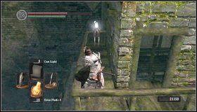 Trafimy do górnej części wcześniejszego budynku - Undead Burg (2) - Opis przejścia - Dark Souls - poradnik do gry