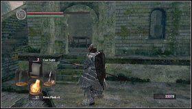 Przechodzimy przez pomieszczenie na drugą stronę - Undead Burg (2) - Opis przejścia - Dark Souls - poradnik do gry