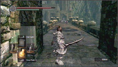 Gdy udamy się w przeciwną stronę, trafimy na Solaire of Astora - Undead Burg - most z Wywerną | Opis przejścia - Dark Souls - poradnik do gry