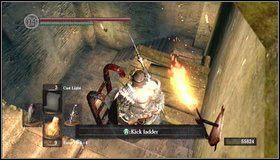 Na dole możemy odblokować skrót do ogniska - Undead Burg - most z Wywerną | Opis przejścia - Dark Souls - poradnik do gry