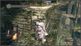 Wychodzimy na dolną część mostu - Undead Burg - most z Wywerną | Opis przejścia - Dark Souls - poradnik do gry