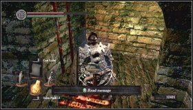 Dalsza droga prowadzi przez wąskie przejście - Undead Burg - most z Wywerną - Opis przejścia - Dark Souls - poradnik do gry