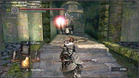 Atakujemy dzika dopiero, gdy nawróci i zacznie powoli odchodzić - Undead Parish (1) - Opis przejścia - Dark Souls - poradnik do gry