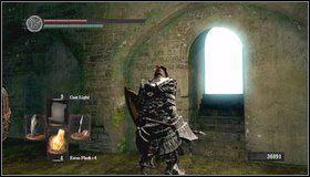 Wspinamy się po dwóch drabinach [1] i przechodzimy przez mgłę - Undead Parish (1) - Opis przejścia - Dark Souls - poradnik do gry