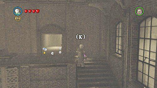 Dumbledorem przechodzimy przez otwarte drzwi - Odwiedziny u małego Toma Riddlea - Opis przejścia - Rok 6 - LEGO Harry Potter: Lata 5-7 - poradnik do gry