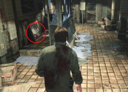 A id�c dalej i przechodz�c przez drzwi w budce znajdziesz kolejny obraz (2/6 The Art Collector) - Misje poboczne (2) - Silent Hill cz.1 - Silent Hill: Downpour - poradnik do gry