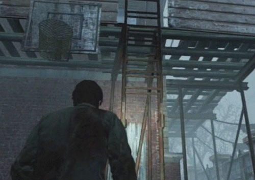 Przejdź na jego tyły, gdzie znajdziesz oparty o ławkę harpun - Misje poboczne (2) - Silent Hill cz.1 - Silent Hill: Downpour - poradnik do gry