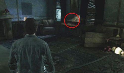 W tym samy mieszkaniu, przejdź przez łazienkę i wejdź do sypialni, gdzie użyj Gold Watch na atrapie ręki - Misje poboczne - Budynek mieszkalny - Silent Hill: Downpour - poradnik do gry
