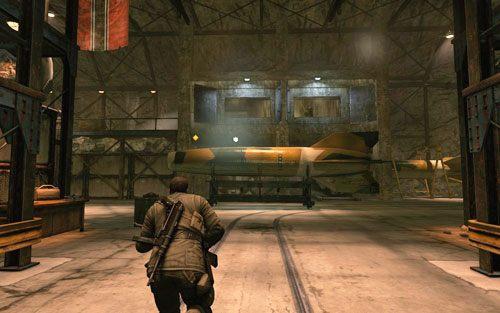 Kiedy podłożysz wszystkie ładunki biegnij w stronę biura [#10] - Misja 2 - Obiekt Mittelwerk (2) - Sniper Elite V2 - poradnik do gry