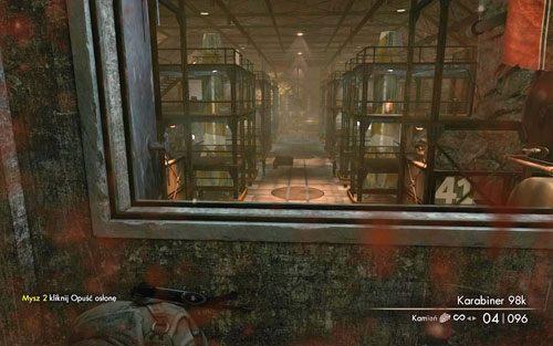 Po dotarciu na miejsce aktywuje się przerywnik filmowy, w którym podsłuchasz rozmowę - Misja 2 - Obiekt Mittelwerk (2) - Sniper Elite V2 - poradnik do gry