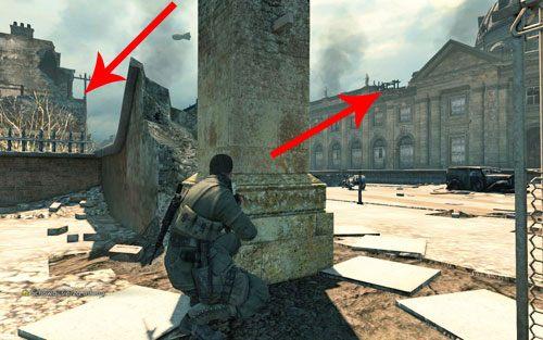 W tym momencie znajdziesz się niemalże na placu [#1] - jednakże z uwagi, że w okolicy znajduje się dwóch snajperów, Twoje ruchy są ograniczone - Misja 3 - Muzeum Kaiser-Friedrich (1) - Sniper Elite V2 - poradnik do gry
