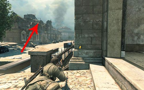 Po zdobyciu nowego sprzętu zejdź po schodach na dół - tym razem nie będzie już ciężarówki blokującej wejście - Misja 3 - Muzeum Kaiser-Friedrich (1) - Sniper Elite V2 - poradnik do gry