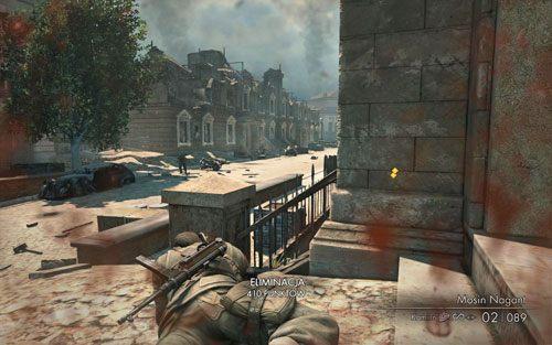 W tym momencie na ulicy zjawi się kolejnych trzech żołnierzy - uważaj jednak, gdyż najprawdopodobniej spróbują dostać się do Ciebie jak najszybciej, a pozycja leżąca wraz z przeszkadzającą barierką stawia Cię w gorszej sytuacji - Misja 3 - Muzeum Kaiser-Friedrich (2) - Sniper Elite V2 - poradnik do gry
