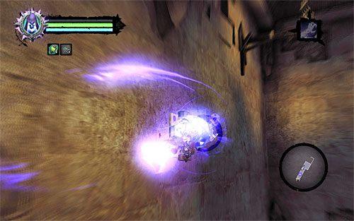 Ruszaj prosto, wybierając opcję biegu po lewej ścianie i łapiąc się po drodze interaktywnego zaczepu z użyciem Uchwytu Śmierci - Znajdź Wiekuisty Tron (1) - Władca Kości - Darksiders II - poradnik do gry
