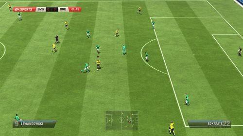Oczywist� spraw� jest fakt, �e mecz wygrywa ten, kt�ry wi�cej strzeli ni� straci, dlatego niezwykle wa�ne jest odpowiednie zabezpieczenie bramki przed atakami przeciwnik�w - Jak broni� skutecznie? - Obrona - FIFA 13 - oficjalny polski poradnik do gry