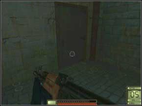 W środku po chwili z góry zbiegnie dwóch strażników - bądź na nich przygotowany (14) (15) - Praga - Soldier of Fortune 2: Double Helix - poradnik do gry