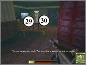 Gdy trafisz do pokoju, otwórz drzwi naprzeciwko i wejdź do małego pokoiku - przez kratę strzelając w brzuch zabijesz strażnika (31), potem szybko wyjdź i idąc pozbądź się kolejnych dwóch, którzy do ciebie przybiegną (32) (33) - Praga - Soldier of Fortune 2: Double Helix - poradnik do gry