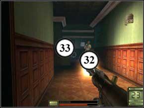 Idź trzymając się lewej ściany, wychyl się, zastrzel przeciwnika za kanapą (34) - Praga - Soldier of Fortune 2: Double Helix - poradnik do gry