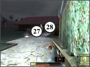 Wyjdź na plac i spójrz w prawo - snajperką zdejmij strażnika w oddali (29) (bez powiększenia ledwo co będzie go widać), a następnie tak samo załatw stojącego w drzwiach po prawej (30) - Vergara - Soldier of Fortune 2: Double Helix - poradnik do gry