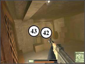 Na dobry początek czeka cię dość długa walka z dużą ilością przeciwników, ukrytych w następnym pokoju - Vergara - Soldier of Fortune 2: Double Helix - poradnik do gry