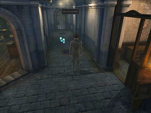 Wyjdź ze stróżówki i maszeruj korytarzem ciągnącym się pomiędzy stróżówką a recepcją - Uruchom alarm - Ucieczka z więzienia Westgate - Testament Sherlocka Holmesa - poradnik do gry