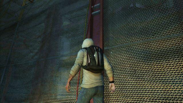 Po dotarciu na wi�ksz� platform�, wejd� przewodami pi�tro wy�ej - 5 - Pierwsze �r�d�o energii - Opis przej�cia - Assassins Creed III - poradnik do gry