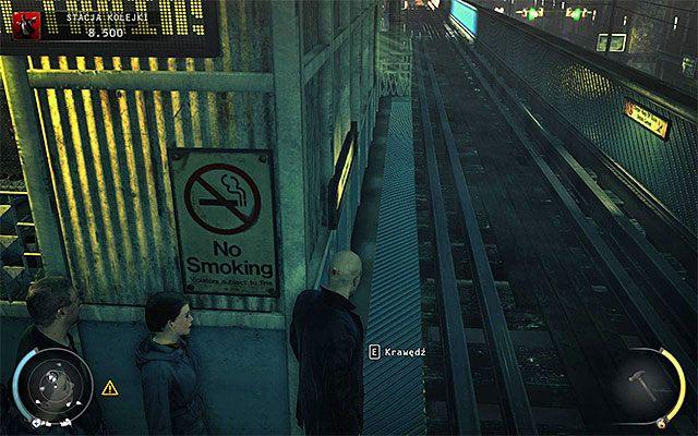 Po dotarciu na drugi koniec peronu zignoruj lewe schody, bo są one świetnie pilnowane - Uruchomienie semaforów kolejowych (Stacja kolejki) - 4 - Uciekaj, by przeżyć - Hitman: Rozgrzeszenie - poradnik do gry