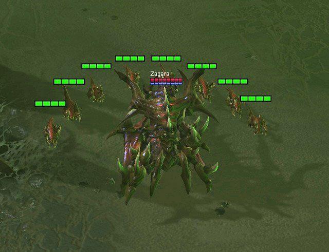Po załadowaniu misji naszym pierwszym krokiem powinno być stworzenie nowych robotnic oraz nadrządców - każde pole kryształów powinno mieć przypisanych do niego trzech zbieraczy - Dominacja - Kampania - Char - StarCraft II: Heart of the Swarm - poradnik do gry