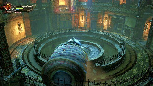 Na prawo od zielonej skrzyni wiedzie droga do opcjonalnej zagadki z toczącym się walcem - Zerwany most, zagadka z walcem i Meduza - Początek wioski (2) - God of War: Ascension - poradnik do gry